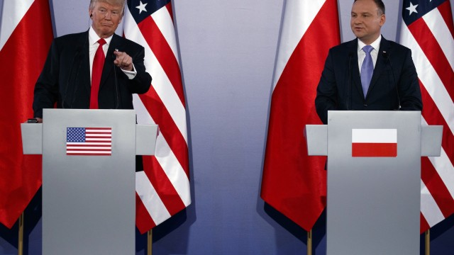 The coverage of Trump's visit to Poland: a hybrid of spin and cherry-picked information