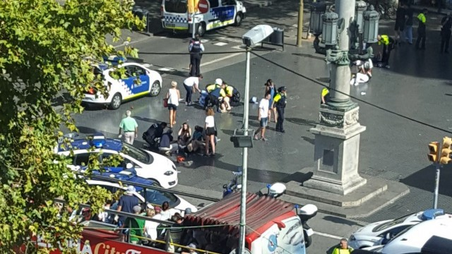 The Daily Cut: Barcelona attack | Hong Kong sentencing | South Sudan refugees | Qatari pilgrims | CIA case