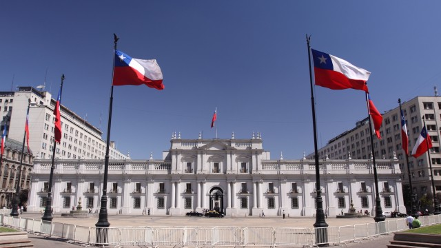 Piñera wins first round in Chile's presidential election; run-off scheduled for December