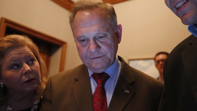 Doug Jones defeats Roy Moore in Alabama Senate election