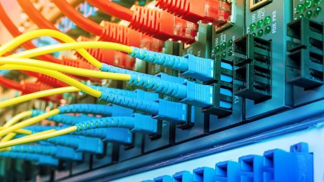 FCC votes 3-2 to repeal 2015 'net neutrality' rules