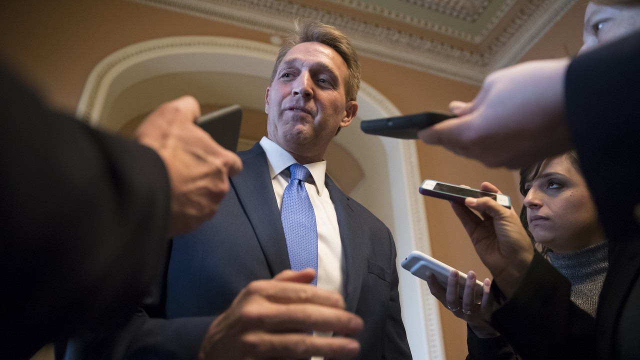Sens. Flake, McCain criticize Trump's comments about the media