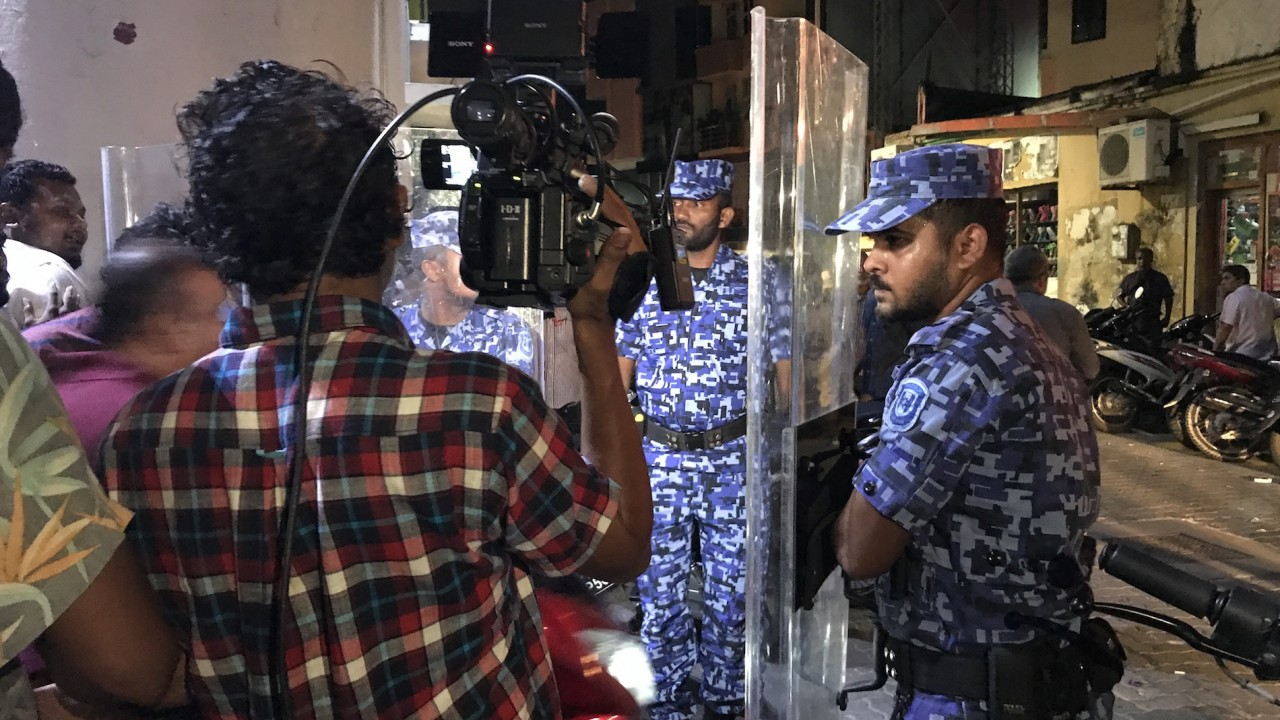 'Troubled' by Maldives crisis, United States urges Yameen to respect rule