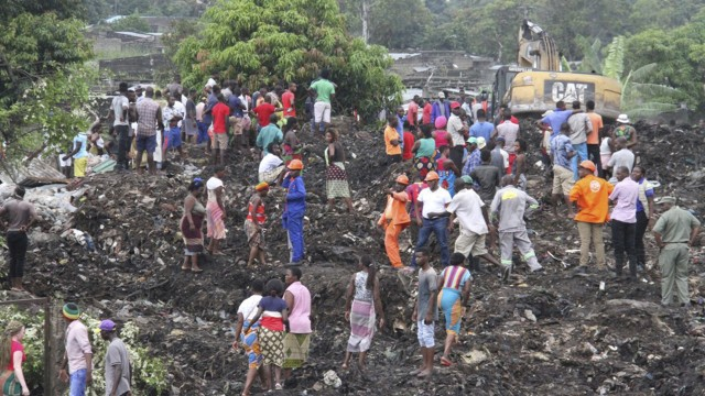 Garbage dump collapses killing at least 17 in Mozambique