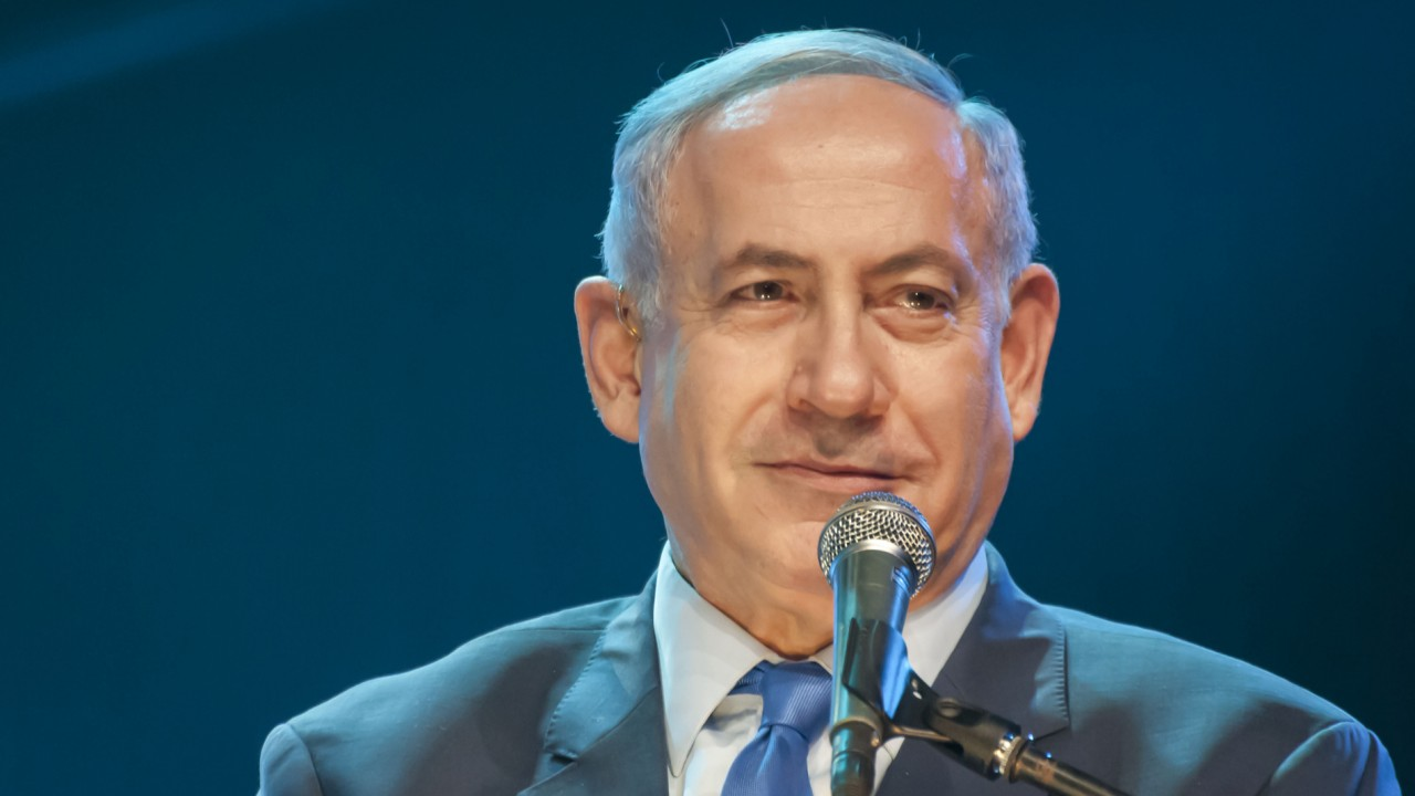 Mideast hopes dim at Netanyahu heads for US