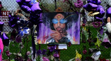 No criminal charges in Prince's death, prosecutors say